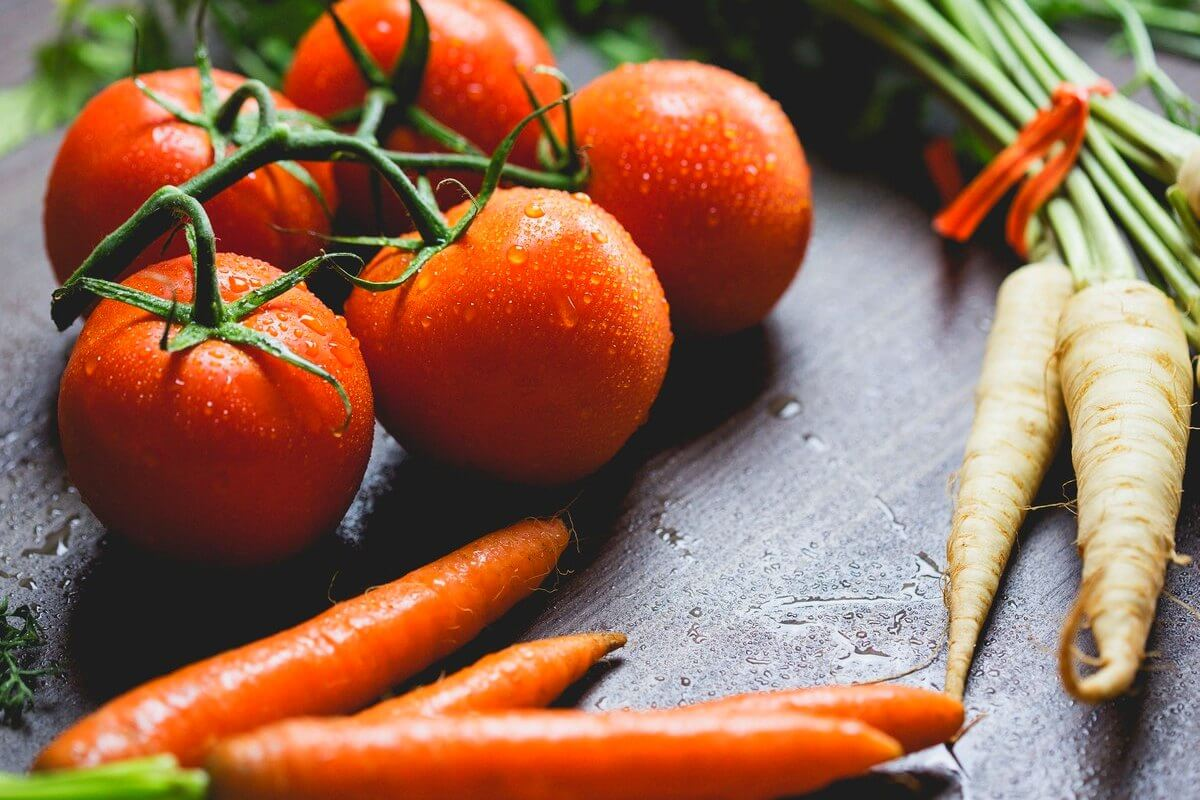 Tomates, zanahorias y rábanos